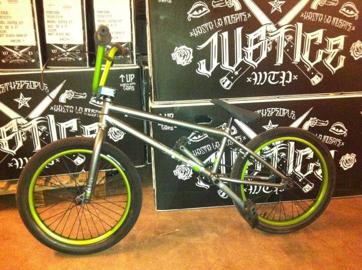 WTP 2011 Versus Complete Bike